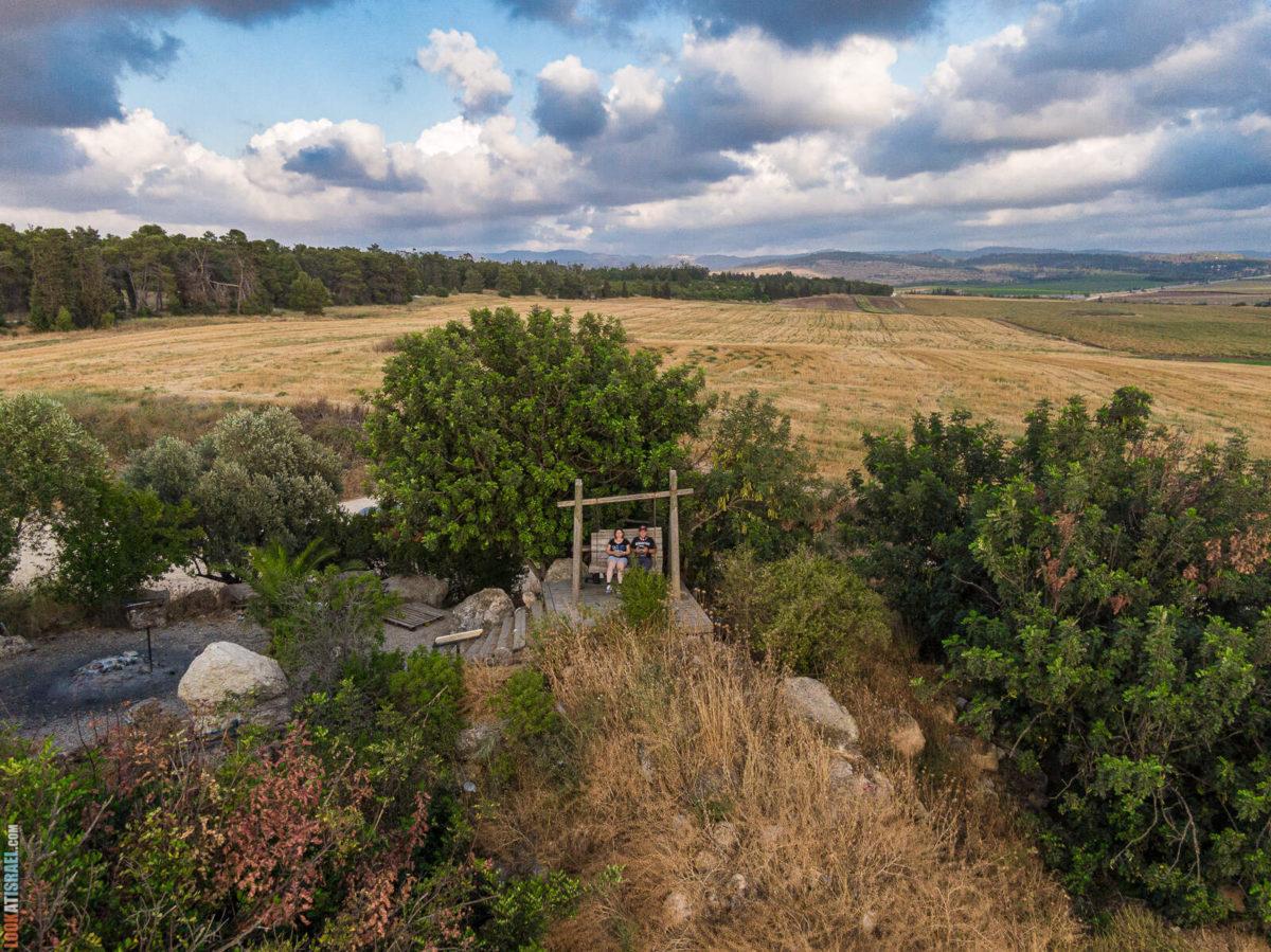 Красивое и романтичное место в долине Аялон в память Моше Шая | אתר לזכר משה שעיה  |  LookAtIsrael.com - Фото путешествия по Израилю
